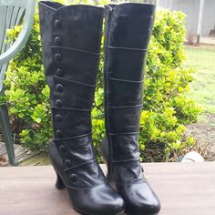 """6.5  Black Crown Vintage Apple Boot bundled These boots are very detailed with crinkled finish and button details - 6.5 size with thin fir lining - leather upper - man made lining and lower- 16"""" height - 2 3/4"""" stacked   heel - worn a couple of times - great condition- style was called apple - sold out on DSW- 7"""" flat width of boot calf - the details on the site say 13 1/2 circumference-was $120 Crown Vintage  Shoes"""