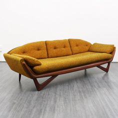 Early 60s 'gondola sofa' by Adrian Pearsall for Craft Associates (no. 4589) www.velvet-point.de