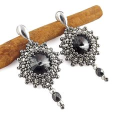 Brautschmuck - Beaded Earrings - Silver Night in Nickel - ein Designerstück von TarragonArt bei DaWanda