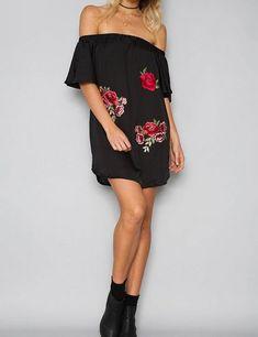 Women's Off Shoulder Flower Boho Dress All Black Fashion, All Black Outfit, Black Outfits, Black Silk Shirt, Fashion Outfits, Dress Fashion, Wearing Black, Boho Dress, Sleeve Styles