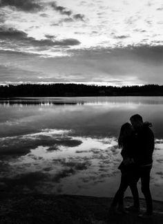 Couple Photography - Engagement Photography - Sunset silhouettes - Charlotte Lundqvist Photography - Porträttfotograf Stockholm Eskilstuna - Parporträtt