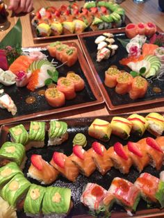 """See 18 photos and 8 tips from 90 visitors to Rå Sushi. """"The Food is simply magnificent! Asian Foods, Asian Recipes, Ethnic Recipes, Dessert Drinks, Dessert Recipes, Desserts, My Favorite Food, Favorite Recipes, Food Art Painting"""
