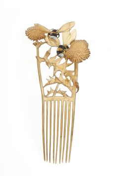 Lucien Gaillard (1861-1933) - Bees on Flowers Hair Comb. Carved & Painted Horn. France. Circa 1904.