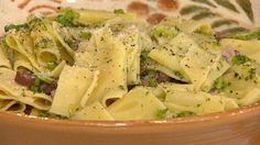 All you need is one pot! Make Tom Colicchio's favorite at home pasta