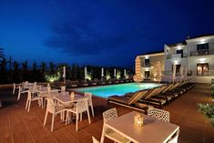 Located in Elafonissos within 1640 feet from the beach the stone-built Elafonissos Resort features a pool a furnished sun terrace and a modernly. Elafonisos Resort Elafonisos Greece R:Peloponnese hotel Hotels Hotel Breakfast, Double Room, Comfy Bed, Sound Proofing, Smoking Room, Great Rooms, Terrace, Swimming Pools, The Neighbourhood