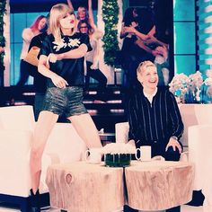 taylor swift wearing dora abodi on the ellen show The Ellen Show, Bella Thorne, Taylor Swift, Hollywood, Crop Tops, Disney Princess, Twin, Celebrities, Ellen Degeneres