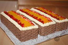 www.dorticek.estranky.cz - Fotoalbum - Rolády a řezy - Ovocné řezy s krémovým… Cute Cakes, Cake Cookies, Cooking Recipes, Beautiful Cakes, Pretty Cakes, Chef Recipes, Recipes