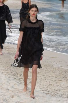 Chanel Spring 2019 Ready-to-Wear Fashion Show Collection  See the complete  Chanel 7f5bd5188b7
