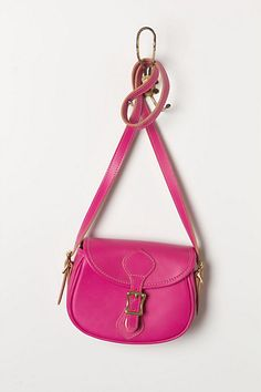 Cute crossbody and adorable color!