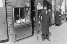 Back in the times of World War II, the Warsaw Ghetto was popular among Jewish ghettos owing to the Nazi occupation in Europe. In Warsaw, the Germans agreed Jewish Ghetto, Warsaw Ghetto, Jewish Man, Old Photos, Vintage Photos, Dramatic Photos, World War Ii, Wwii, Poland