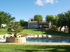 4 bedroom villa with pool in Silves, Algarve, Portugal - Traditional property with lovely gardens throughout. The villa is located within minutes to two golf courses and 9 kms from the beach. - http://www.portugalbestproperties.com/component/option,com_iproperty/Itemid,8/id,1212/view,property/#