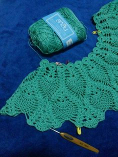 welcome to our crochet arts web site, and see more articles and be learning every day more new crochet work and lin. How to Crochet: texturierter Wellenstich This Pin was discovered by suz Crochet Yoke, Crochet Lace Edging, Crochet Diagram, Crochet Blouse, Crochet Blanket Patterns, Filet Crochet, Crochet Stitches, Crochet Baby, Black Crochet Dress