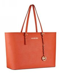 An exciting summer to autumn must have MICHAEL Michael Kors Jet Set Macbook Travel Tote Michael Kors Jet Set, Basket Michael Kors, Cheap Michael Kors Bags, Michael Kors Handbags Outlet, Mk Handbags, Michael Kors Hamilton, Handbags Online, Designer Handbags, Macbook