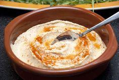 Pludrehanne: Supergod hummus Tahini, Hummus, Pudding, Ethnic Recipes, Desserts, Food, Tailgate Desserts, Deserts, Eten