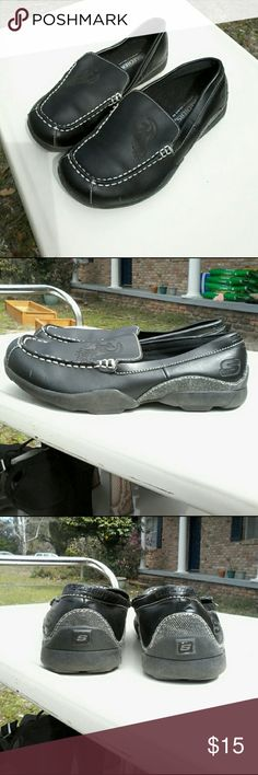 Skechers Lifestyle 92 men's leather loafers Super nice pair of Skechers Lifestyle 92 black leather loafers marked size US 4,  EU 36,  UK 3,  CM 23 all.   Sizes listed to show they are appropriate footwear for all ages and gender. Skechers Shoes Loafers & Slip-Ons