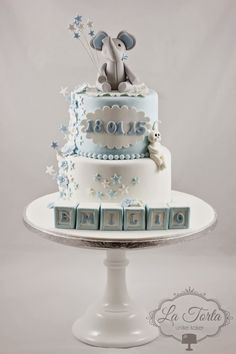 La Torta - unike kaker: Dåpskake med mange detaljer! Baby Shower Cakes For Boys, Baby Cakes, Cold Porcelain, Baby Shower Decorations, Boy Birthday, Christening, Fondant, Cake Decorating, Diy And Crafts