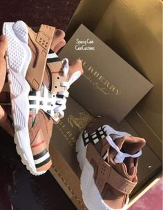 went with a burberry twist on these clean huaraches! Huaraches Shoes, Nike Air Shoes, Aesthetic Shoes, Cute Sneakers, Girls Sneakers, Burberry Shoes, Balenciaga Sneakers, Gucci Shoes, Hype Shoes