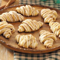 Cinnamon Crescent Rolls Recipe...won't be making these from scratch, but can certainly use the filling & icing