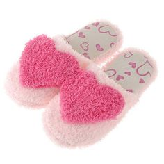 Price:$18.99 Color: Red/Blue Material: Coral Velvet Sweet Warm Heart Pattern Coral Velvet Slippers