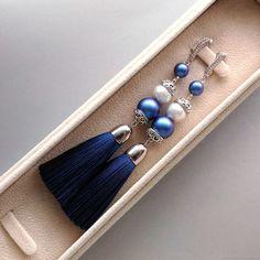 Green Tassel Earrings, Tassel Jewelry, Diy Earrings, Jewelery, Jewelry Necklaces, Handmade Bracelets, Bangle Bracelets, Handmade Jewelry, Thread Jewellery