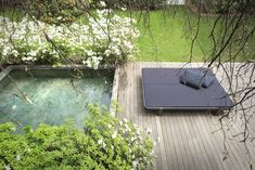 Milan-based design house Paola Lenti's outdoor furnishings are known for clean, simple lines and comfortable proportions. We particularly like the new 2015 collection: