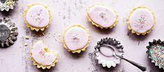 Klassisissa bebe-leivoksissa on monta työvaihetta, mutta lopputulos on makea ja suussasulava. N. 0,10 €/annos. No Gluten Diet, Cake Photography, Sweet And Salty, Something Sweet, Dessert Recipes, Desserts, Panna Cotta, Sweets, Dishes