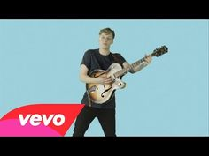 Check out the for Budapest (Alternative Video) by George Ezra George Pig, Baby George, Celebrity Babies, Celebrity Photos, George Ezra Budapest, George Washington Costume, Kate Middleton Kids, George Of The Jungle, Veronica