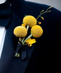 Yellow wedding flower boutonniere, groom boutonniere, groom flowers, add pic source on comment and we will update it. www.myfloweraffair.com can create this beautiful wedding flower look.
