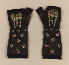 Pair of women's mitts, American, early 19th century, Silk netting with silk tambour work. In the Museum of Fine Arts Boston collection.