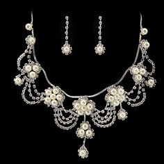 Beautiful Rhinestone/Imitation Pearl Bridal Jewelry Set – 17 Inch Necklace With Earrings – USD $ 24.49