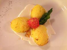 Gnocchi di semolino su crema di formaggi