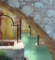 Hotel in Campeche, Mexico. Mexican Architectur always surprises with unconventional elements- Like a grotto