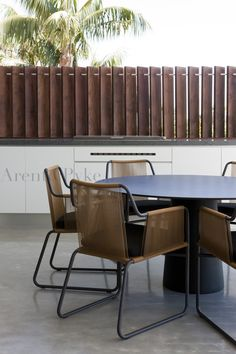 Angled timber screen #arent #pyke photography by Jason Busch