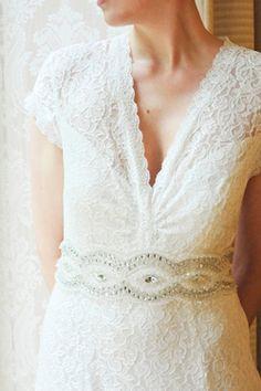 Nostalgisches Hochzeitskleid aus Spitze   Designer: perera/rüsche