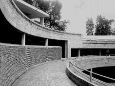 Arquitecto Rogelio Salmona - Posgrados Ciencias Humanas - Universidad Nacional de Colombia Arch Architecture, Outdoor Furniture, Outdoor Decor, My House, Models, American, Drawings, Projects, Home Decor