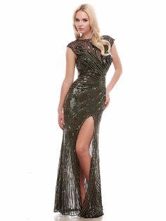#greendress #eveningdress #bestdresses / Piękna suknia wieczorowa o głębokim, oliwkowym odcieniu