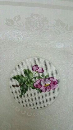 This Pin was discovered by arz Cross Stitch Art, Cross Stitch Flowers, Cross Stitch Designs, Cross Stitching, Cross Stitch Embroidery, Hand Embroidery, Cross Stitch Patterns, Crochet Cross, Bargello