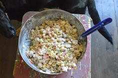 Elämää Koivurannassa: Broileri-pastasalaatti Snack Recipes, Cooking Recipes, Snacks, Finnish Recipes, Pasta Salad, Food Inspiration, Feta, Grains, Goodies