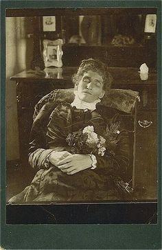 Memento Mori Victorian Death Photos   Memento Mori: Victorian Death Photos / Postmortem.
