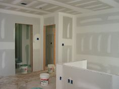 How to fix drywall using joint compound. photo by chaim zvi on Flickr