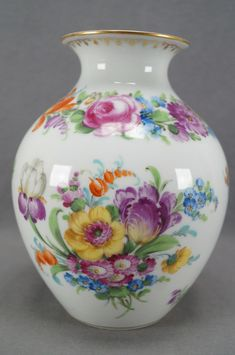 Franziska Hirsch Dresden Hand Painted Floral & Gold 7 Inch Vase C. Vintage Vases, Vintage Glassware, Vintage Decor, Pottery Vase, Ceramic Pottery, China Painting, Porcelain Vase, Vases Decor, Dresden