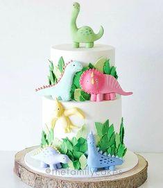 22 dinosaur cake ideas for a rip-roaring party | Mum's Grapevine Girl Dinosaur Birthday, Baby Birthday, Birthday Ideas, 3rd Birthday Party For Girls, Colorful Birthday Cake, Birthday Cartoon, Fete Laurent, Bolo Fondant, Fondant Baby