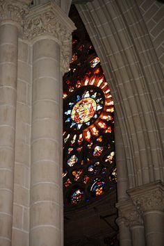 Detalles de la Catedral de Toledo... vitrales que siempre sorprenden.