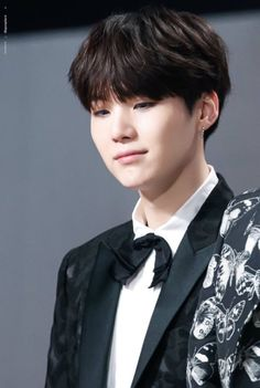 민윤기Min Yoongi Min Suga 슈가 The man like lying BTS Swag [ A.R.M.Y]