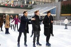 The boys of Shadowhunters are looking great on the ice! ❄️