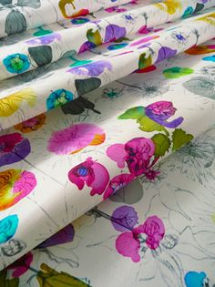 absolutely in love with this Dahlia Fabric @ Imogen Heath compliments of @designsponge