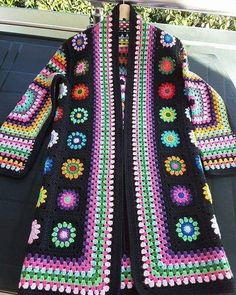 Crochet granny square clothes ganchillo Ideas for 2020 Gilet Crochet, Crochet Diy, Crochet Coat, Crochet Motifs, Granny Square Crochet Pattern, Crochet Jacket, Crochet Squares, Crochet Cardigan, Crochet Granny