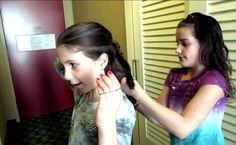 Annie doing Olivia's hair Annie from bratayley and acroanna Olivia from simply Liv Annie Gymnastics, Julianna Leblanc, Bratayley, Sunglasses Women, Singer, Actresses, Chloe, Hair, Dance