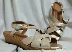 Clarks Artisan shoes sandals size 7.5 M Orlena Chutney gold leather cork wedges