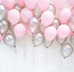 Perfect partayy inspo right here! Pink and silver are such a gorge combo!